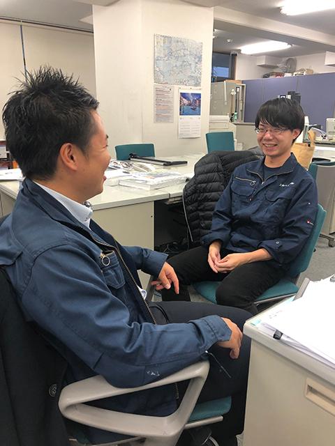 松山支店イメージ 仕事だけでなくプライベートでも皆から手取り足取り指導を受けている森永君