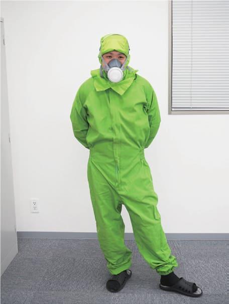 防蟻施工の際の作業着イメージ